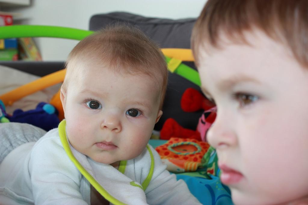 46 meses de Enzo y 7 meses de Nils